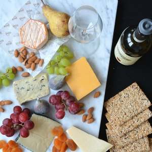 5 Steps to Creating an Amazing Cheese Board