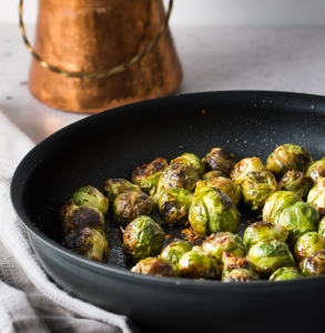 Easy Garlic Roasted Brussels Sprouts