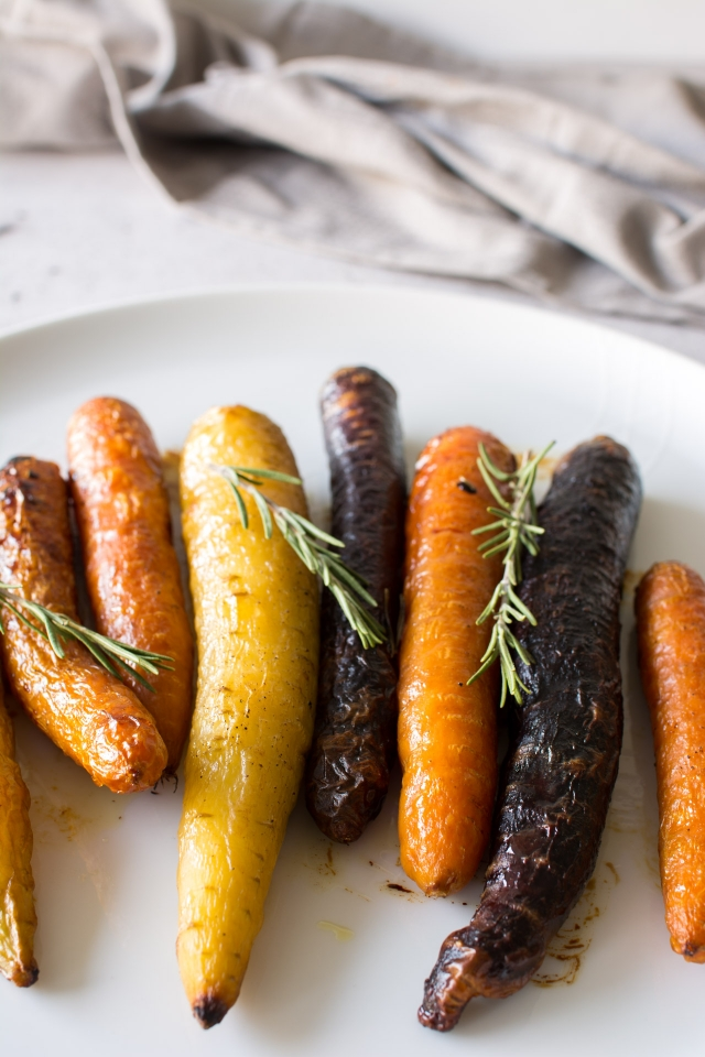Honey Roasted Carrots with Rosemary | Lauren Caris Cooks