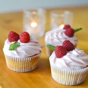 Lemon and Raspberry Cupcakes