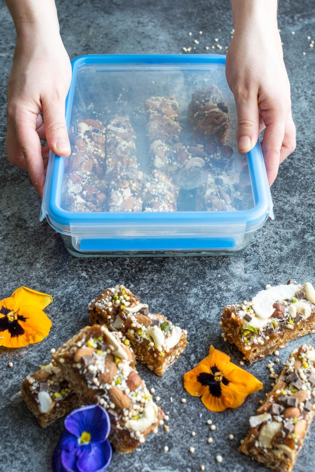 These 3 layer Loaded Granola bars with VEGAN caramel will blow your mind!! An indulgent, yet healthy bar guaranteed to give you the energy boost you need during the day!