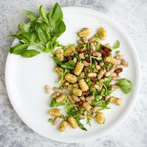 Vegan Gnocchi with Arugula. A simple dish that's perfect for making ahead for lunch!