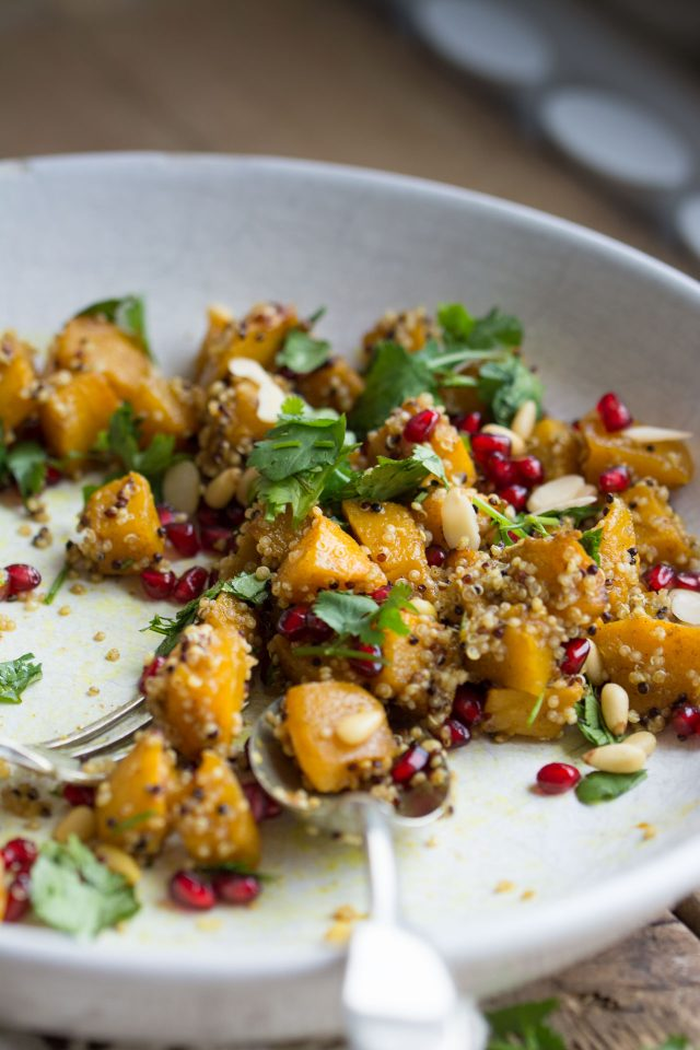 In this delicious vegan marinated pumpkin salad, all of the best sweet and savoury flavours come together to make the PERFECT fall salad!