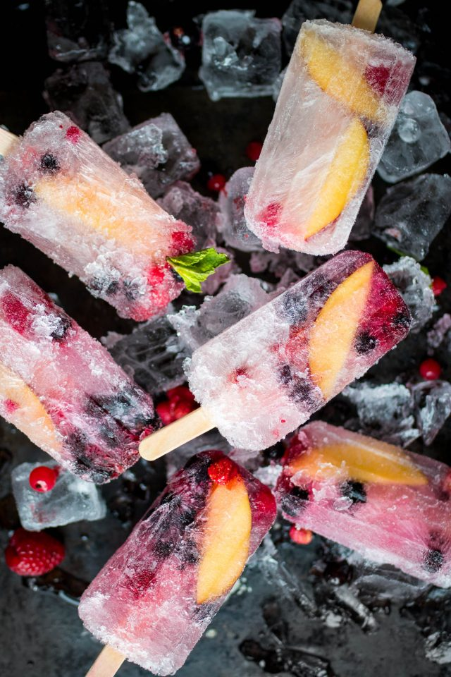 Prosecco Popsicles with Summer Fruits!